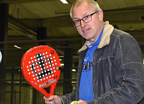 OPPGITT: Medeier i ACE racket- og treningsenter i Askim, Thorbjørn Berger, er oppgitt over det han mener er forskjellsbehandling i Indre Østfold kommune.