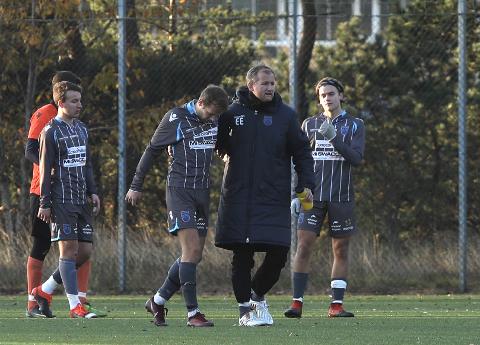 Havørn-trener Eivind Emblemsvåg kom fra 1. divisjons-klubber via Sandnes Ulf 2 til Havørn for to år siden. Bildet er fra siste kamp denne sesongen mot Buøy.