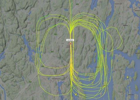 ØVER: Norwegian har skoleflygninger over Torp. Dette var situasjonen cirka klokka 12.10.