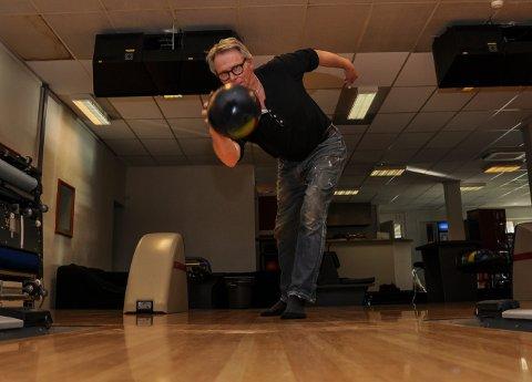 GLEDER SEG: Roar Gran Persson (59) kjøpte konkursboet etter Vallø bowling, og gleder seg til å starte opp igjen.