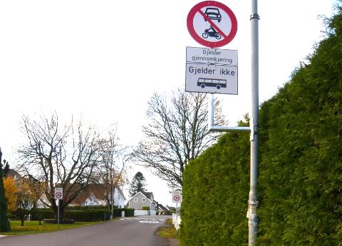 IKKE NOE PROBLEM: Har aldri sett eller opplevet bilister med en aggressiv kjørestil på denne kjørestrekningen, men tvert imot hensynsfulle trafikanter, skriver Jan Kolbjørn Akerholt.