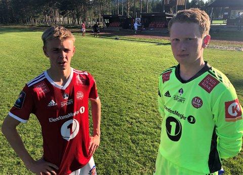 FØRSTE SCORING OG DEBUTANT: Mathias Kosberg Holm (t.v.) satte inn sitt første mål for Tynsets a-lag, mens Halvor Hornseth fikk sin debut som keeper. Dessverre ble det nok et Tynset-tap.