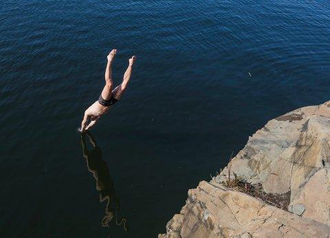 – Vi starta en bade-challenge, jeg og noen kompiser. Det var om å gjøre å bade lengst mulig og ha en lang streak, sier 30-åringen, da Avisa Oslo møter han ved Bygdøy sjøbad.