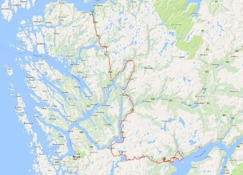 Andre etappe av Tour des Fjords snirkler seg fra Gulen til Nordheimsund torsdag.