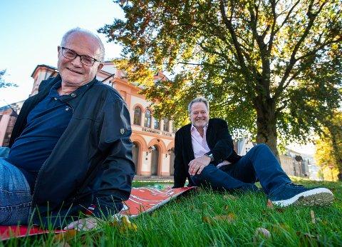 GLEDER SEG: Mennene bak den populære musikalen, Arne Iversen og Jan Moberg, gleder seg til å vise frem konsertversjonen.