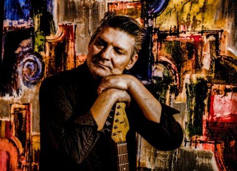 Johny Aasgaard har sluppet sitt første soloalbum som heter  «Collecting».
