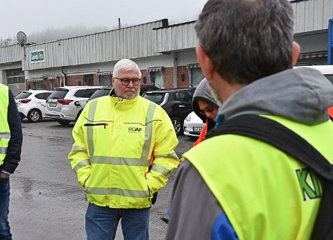 Pål Olsen er daglig leder på Enebakk produkter som tar  i mot avfallet for ROAF på gjenbruksstasjonen i Enebakk. Onsdag gjenåpner anlegget etter å ha vært korona-stengt.