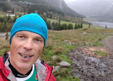 KJEKT: Jens Ole Årdal synest det er kjekt å springe. Og nokre gonger er så kjekt at han ikkje klare å stoppe.