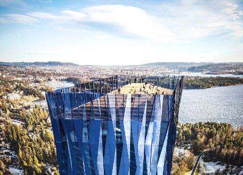 GOD SIKT: Takterassen på skyskraperen vil være en kvart kilometer over bakken. Er man riktig heldig vil tårnet kaste skygge over Sarpsborg på dager med lav sol.