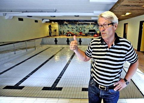 DEN SISTE DRIVEREN: Rune Eriksen drev Kløverbadet i flere år frem til sommeren 2016. Eriksen, som er rørlegger av yrke, tror det ville være kraftige lekkasjer fra badet hvis det skulle gjenåpnes uten et større reparasjonsarbeid.