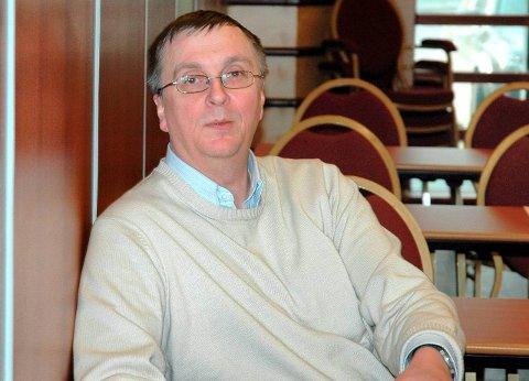 UØNSKET MAKTSTRUKTUR: Tidligere samferdselssjef i Nordland, Steinar Sæterdal, mener at ordførerkandidat Rune Edvardsen er en fin fyr. Men han er ikke like begeistret for samlingen av makt i kretsen rundt AP-politikeren.