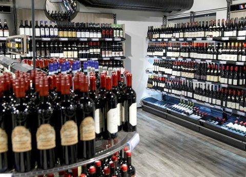 Alkohol er ledende risikofaktor for kreftutvikling og kreftdød i land som USA, Frankrike, Storbritannia, Australia, og de nordiske landene Danmark, Finland, Island, Norge, Sverige, Færøyene og Grønland, heter det i en rapport fra WHO.
