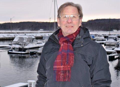 BEKYMRET: Styreleder Frank Borgersen i Steinbrygga båthavn frykter for fremtiden etter at grunneieren doblet festeavgiften.