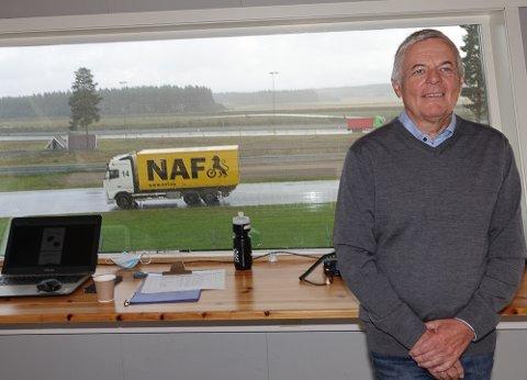 GIR SEG: Trygve Schjerpen  pensjonerer seg ved juletider og gir seg da som administrerende direktør ved NAF trafikksenter/Vålerbanen.