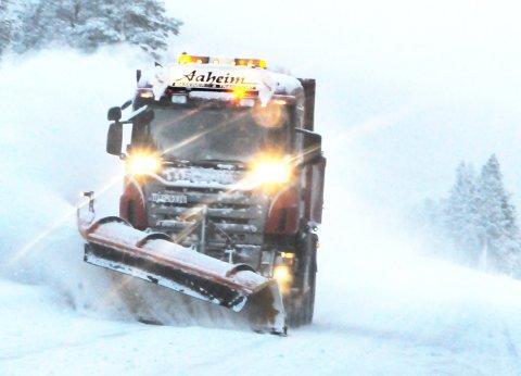 VENTER UVÆR: Enda verre enn dette kan det bli på fjellovergangene mot Vestlandet og Trøndelag fra søndag kveld.