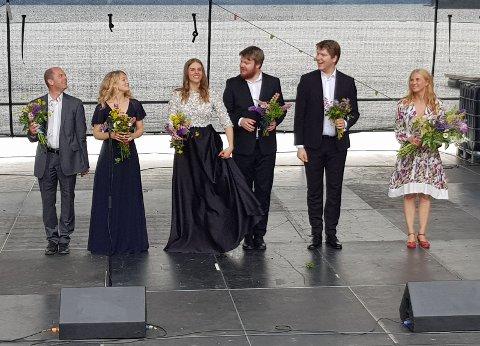 AVSLUTNINGEN: Lydia Bryngelsson, nummer tre fra venstre, gjorde stort inntrykk under sommerens operafest i Røykenvika. Førstkommende søndag er det rom for gjenhør, i Nikolaikirken.