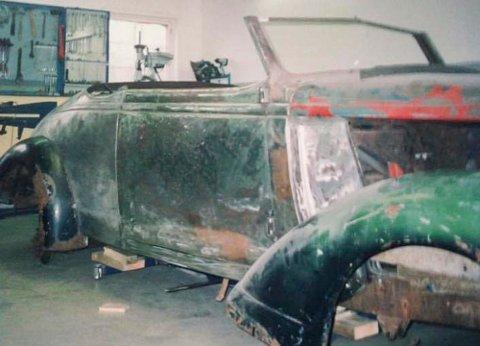 Før: Slik var Morten Svangs 37-modell Nash Lafayette cab før han begynte å restaurere den hjemme i garasjen på Ystehede.