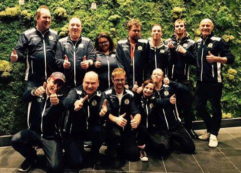 TIL TOPPS:  Karmøy Innebandy representerer Norge i Special Olympics i Østerrike. Foran f.v. Lars Petter H. Ånensen, John Emil Oa, Olav André Hansen, Amalie Kristiansen Stava og Vidar Flotve Birkeland. Bak f.v. Jan Olav Sørlie (hovedtrener), Chris Vikene Sandvik, Daiane Dale, Vegard Pedersen, Ivan Dalsvåg, Bjørnar Støylen og Ole Egil Flotve (trener).