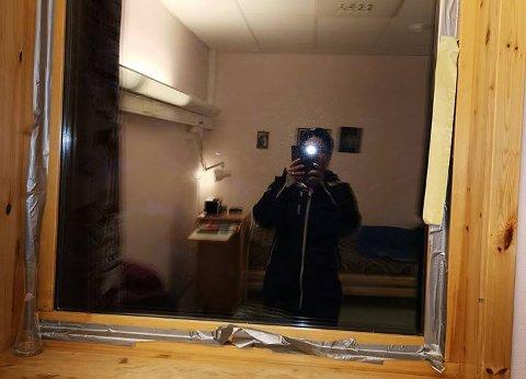 RYSTET: Dette bilde tok Paula Bruun og delte på Facebook. Hun er rystet over forholdene til de eldre på Nordkapp helsesenter.