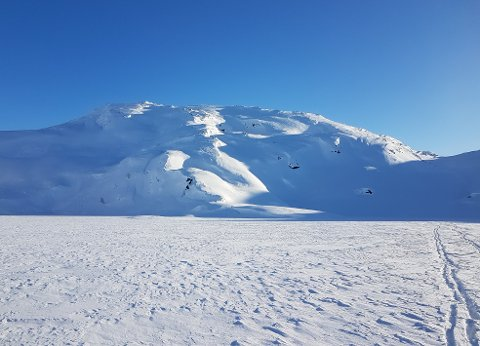 Politiet åtvarar mot auka snøskredfare i Kvinnherad-fjella. Nyleg utløyste ein turgåar eit snøskred her ved Ingahogg. (Foto: Christian Førde-Tislevoll).