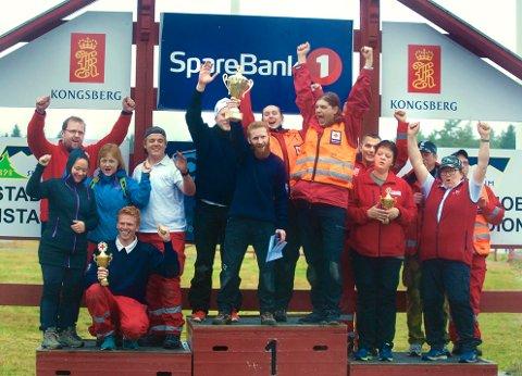 SEIERSPALLEN: De tre beste lagene med Kongsberg på toppen. På vinnerlaget fra venstre: Jonas L. Westersund, Tommy Langem, Ann Christin Barstad og Arve Gjærevold.