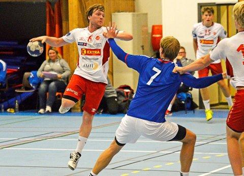 AVGJORDE: Jørgen Bugge (24) skulle egentlig ikke spille håndball før i 2020. Søndag var han tilbake på banen for Bravo, og avgjorde sekunder før slutt.