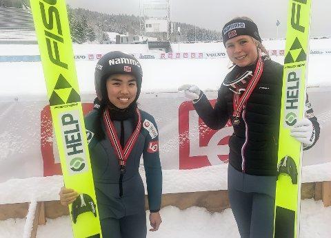 Maren Lundby (t.h.) tok en oppskriftsmessig NM-tittel, mens Thea Minyan Bjørseth kapret bronsemedaljen.