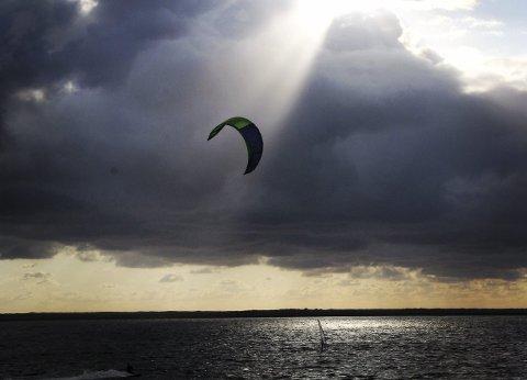 Sky high: Michelle Hermandsen var på kitekurs i Danmark og knipset bildet.