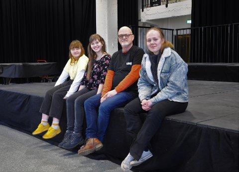 Denne gjengen gleder seg til neste helg. F.v.: Sara Skjønhaug Eriksen, Kamilla Isaksen, Arve Karlsen og Anniken Semb Kvalsund.