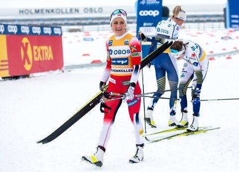 Oslo 20200307.  Therese Johaug, Ebba Andersson og Frida Karlsson i må etter 30 kilometer fellesstart i Holmenkollen. (Foto: Annika Byrde / NTB scanpix)