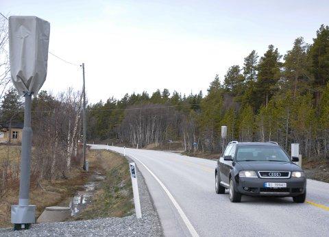 HETTENE SKAL AV: Fotoboksene på riksveg 3 over Kvikne ble satt opp allerede i april i fjor.