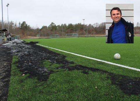 - 100 prosent enig: – Det ser ikke bra ut, sier Bjørn Ove Width (innfelt), som leder fotballgruppa i Tjøme IL. Han inviterer gjerne politikerne til å høre om tiltakene de skal gjøre her på eget initiativ. Foto: Nina Blixog privat