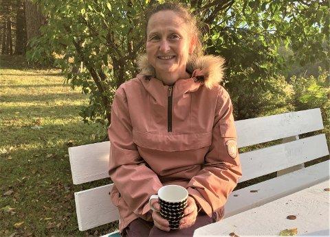 SNUR TING: – Jeg er en godtegris og spiser gjerne desserten først, medgir Helen Graarud åpenhjertelig mens hun sitter på en benk tidlig en høstmorgen.