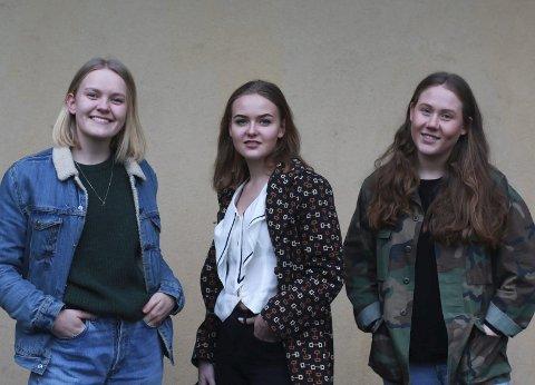 Ruth Olerud (18), Malin Hagen Olsen (16) og Anniken Løvskogen (18) synes at det å kjøpe brukt gir en unik stil- og er bra for miljøet.