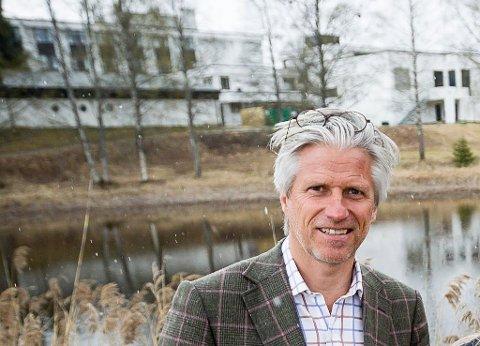 STORT OPPSVING: – Etter at vi kunne åpne igjen i slutten av mai har det gått bare én vei, sier hotelldirektør Pål Gjerstad.