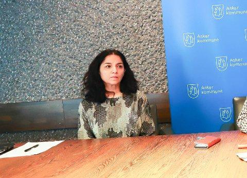 TA ANSVAR!: Kommunelege Meera Grepp sier alle må ta ansvar for å begrense smitte.