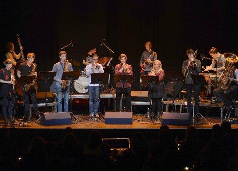 VENDER HJEM TIL JUL: Det blir god stemning når medlemmene av Vestfold Jazzensemble kommer sammen.