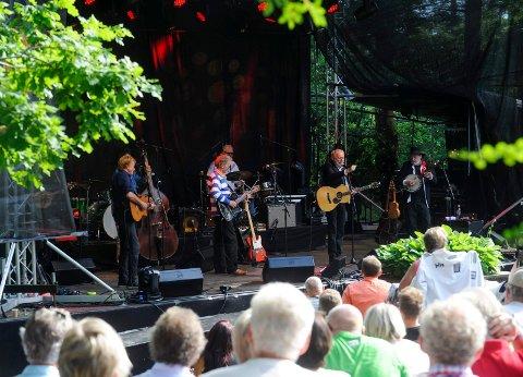 Gitarkameratenes visefestival på Midtåsen. GITKAMFEST