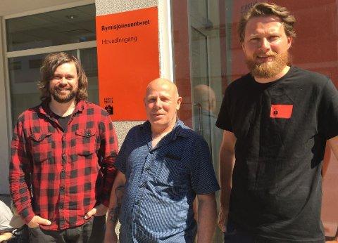 FREDAGSKAFÉ: Magnar Teien, Tore Knutsen og Lars Moen inviterer til rusfri kafé hver fredag i Bymisjonssenteret.
