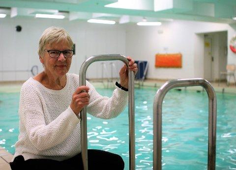 HAR GLEDET MANGE: Denne aktive damen har gledet og trimmet tusenvis av sarpinger opp gjennom årene. Nå gir hun seg med vanngymnastikk og håper at noen yngre krefter vil ta over.