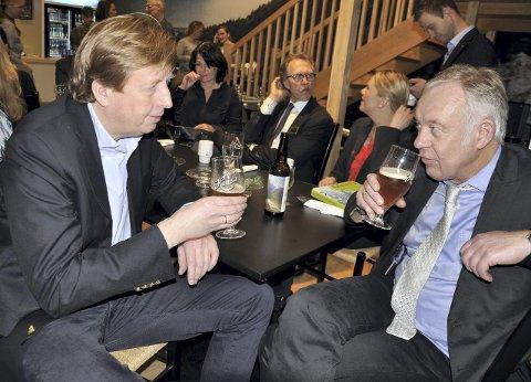 Administrerende direktør Lars A. Midtgaard i Hansa og Borg bryggerier og Petter Nome.