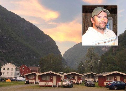 SATSA ALT: Kristoffer Nystedt (43) satsa alt og kjøpte campingplassen og seinare Svalheim gard. Etter seks år er det blitt ein viktig reiselivsaktør i Årdal som han med tungt hjarte sel fordi det ikkje let seg kombinera med familiesituasjonen.
