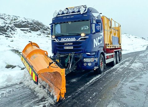BRØYTET: NCC har fått bort den verste snøen fra veien mellom Tuddal og Tinn over Gaustaråen. Bildet er tatt ved en tidligere anledning.