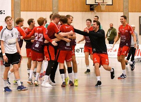 SEIER: Nøtterøy kunne juble etter seieren over Charlottenlund søndag ettermiddag. (Bilde er fra lagets seier over Stavanger tidligere i år)