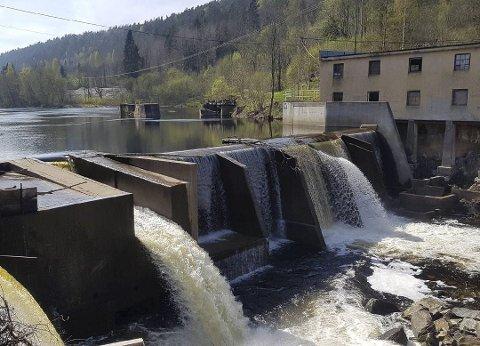 Fosstveit kraftverk har fått den nødvendige konsesjonen av NVE til å kunne drive videre. Det protesterer Norges Miljøvernforbund på. Arkivfoto
