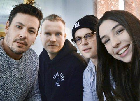 Til Åmli: Populære Donkeyboy, med Linnea Dale som en av vokalistene, spiller på Heimover-festivalen lørdag kveld.  Linnea Dale er gift med Thomas Aslaksen fra Åmli, som spiller i et annet band på festivalen.