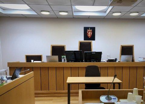 Lukket og låst: Valdres tingrett har utsatt alle straffesaker og sivilsaker til over påske, i likhet med alle andre domstoler i Norge.