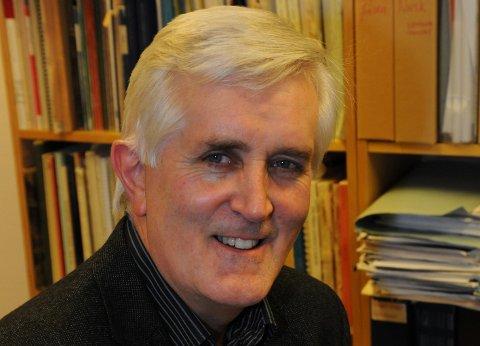 OPERAKAFEEN PERSONLIG: Siden 2013 har Svein Helge Bjørkøy stått i spissen for de populære operakafeene i kirkestua. Her er musikkprofessoren enda noen år tidligere, anno 2010.