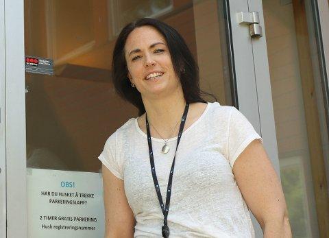Kommuneoverlege i Frogn, Merete Nordaas Hvistendahl, sier de venter svar på flere korona-tester i løpet av helgen.