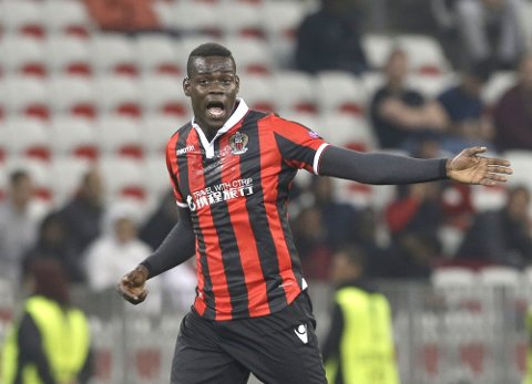 Nice's forward Mario Balotelli gestures during the Europa League group I soccer match between OGC Nice and FC Salzburg, in Nice stadium, southeastern France, Thursday, Nov. 3, 2016. (AP Photo/Claude Paris)